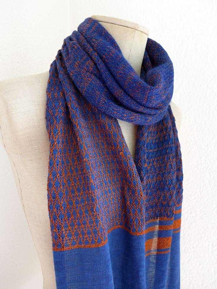 3aea8e5136c1 Echarpe en coton, laine mohair et lurex de Valentine Ebner pour Craft-design