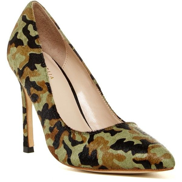 Cecelia Dianne Camo Genuine Calf Hair Pump ($175) ❤ liked on Polyvore featuring shoes, pumps, camo, camouflage pumps, pointed toe shoes, leather sole shoes, pointy-toe pumps and camouflage shoes