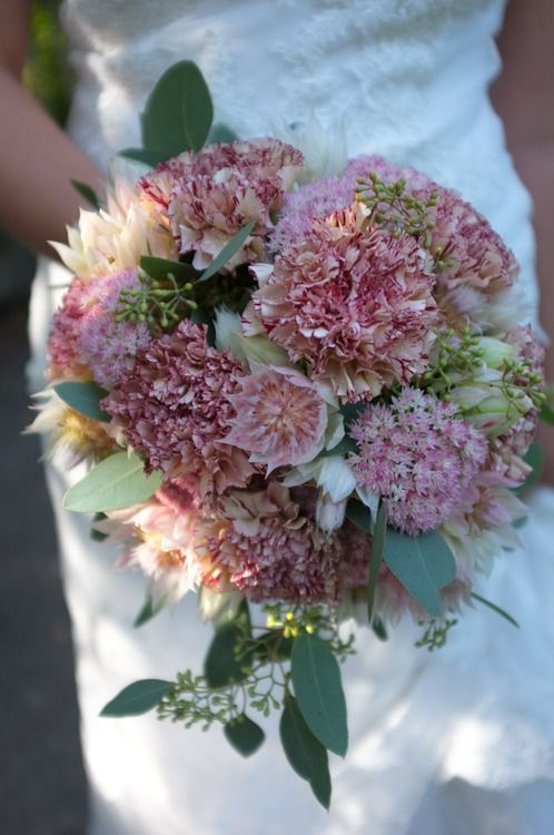 Bridal bouquet in Suomenlinna Finland