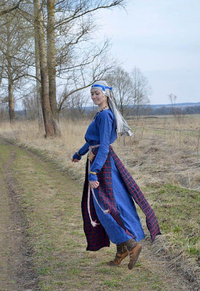 Medieval Slavic costume of Ancient Russia: Vyatichi