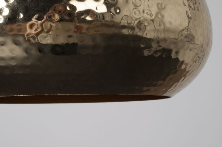 LAMPA HAMMERED OVAL MOSIĘŻNA - ZUIVER la bambetle