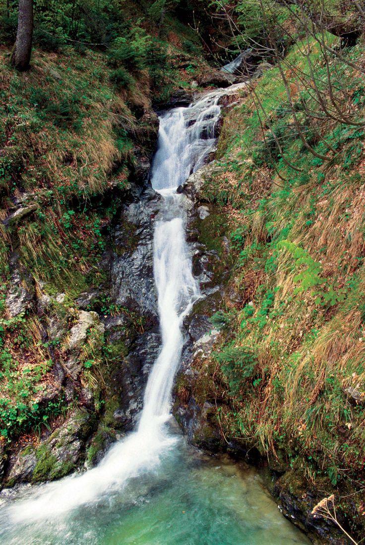 Μακρινιτσα Πηλιου. (waterfall in Makrinitsa?)