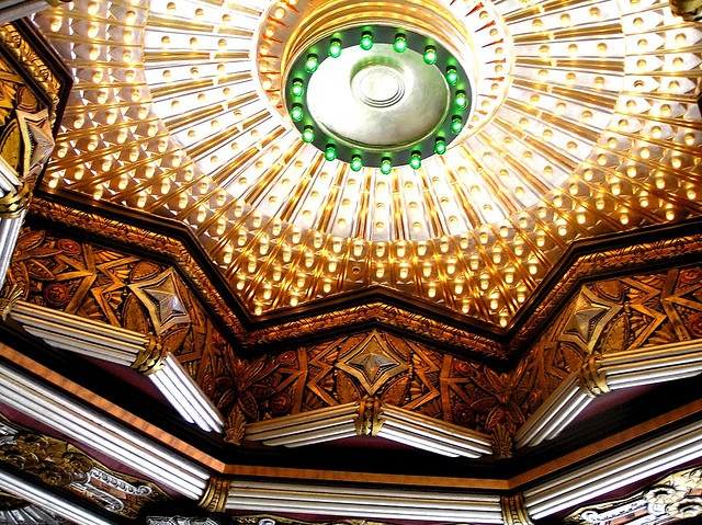 Los Angeles - Hollywood    		Ticket foyer ceiling detail of the art deco style Pantages Theater on  Hollywood Bvd.Architect: Exterior - B. Marcus Priteca, Interior - Anthony  Heinsbergen. Los Angeles Historic/Cultural Monument  - No. 193.