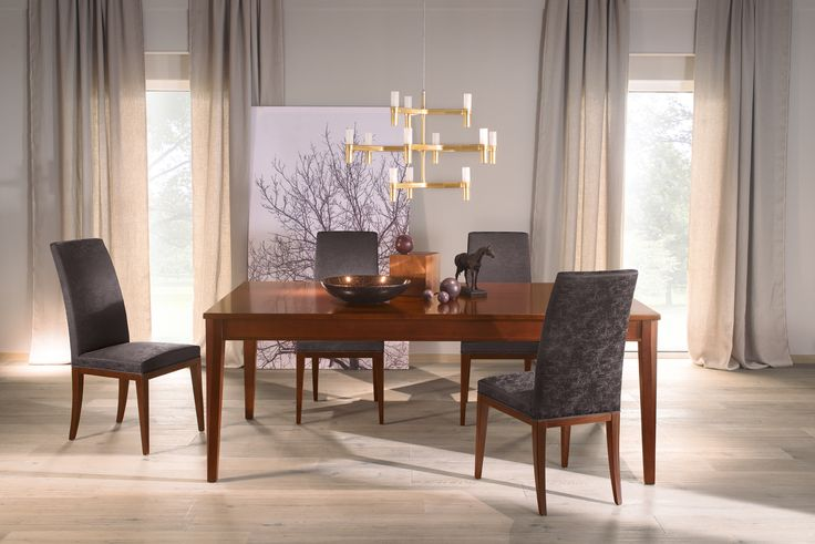 Dining table Varia with table leg Nico: http://www.selva.com/en/news/varia-the-variable-table-system/22-85701.html #Selva #furniture #furnituredesign #tablesystem