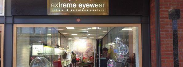 V&A Waterfront | Extreme Eyewear: if you need prescription glasses - or just new sunglasses! The guys working there are simply great! And the price is perfect, too...