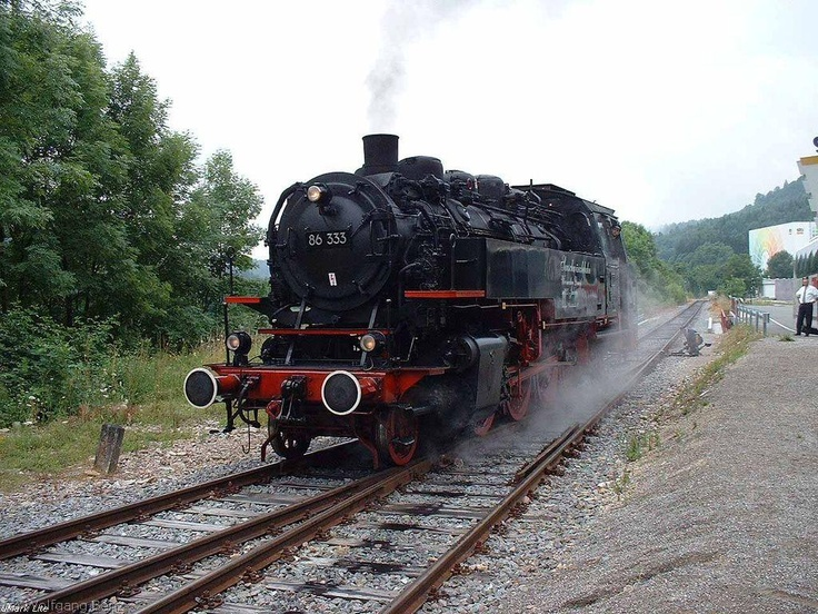 Wutachtalbahn - Wolfies Train Pages  Dampflok 86 333 at Weizen, Germany
