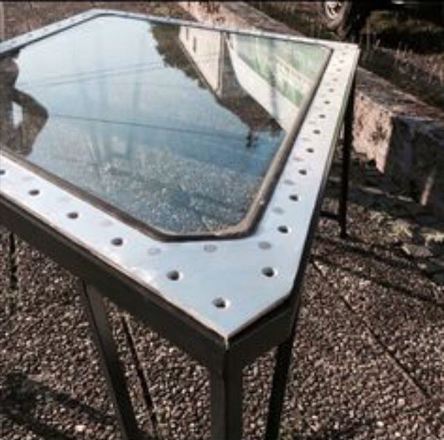 Fokker 100 Windscreen Table