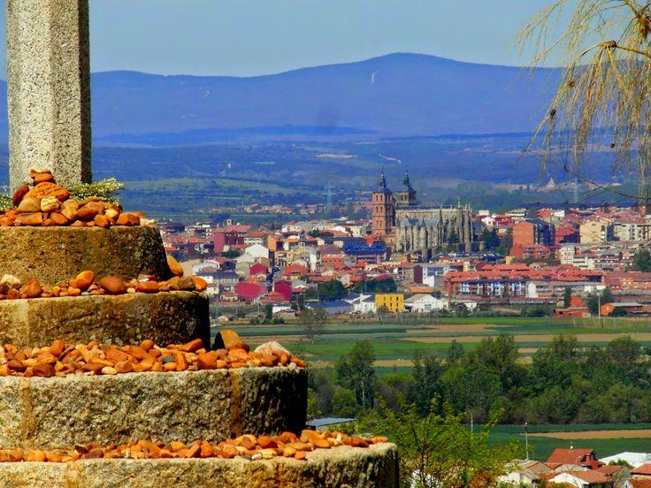 Astorga desde el Crucero de Santo Toribio, León, Camino de Santiago