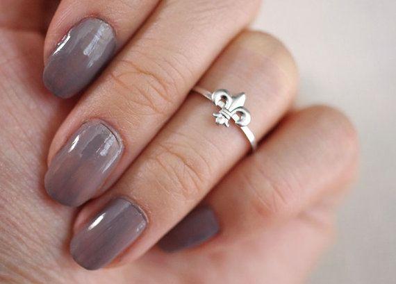 fleur de lis . midi // silver fleur de lis ring . fleur de lis midi ring . fleur de lis jewelry . knuckle ring . silver/gold stacking ring