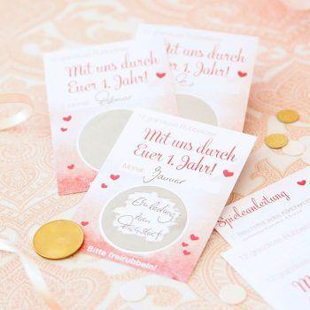 Schönes Hochzeitsspiel mit Gutscheinen. Braut und Bräutigam dürfen sich damit 1 Jahr lang über liebevolle Nettigkeiten von ihren Freunden und Verwandten freuen.