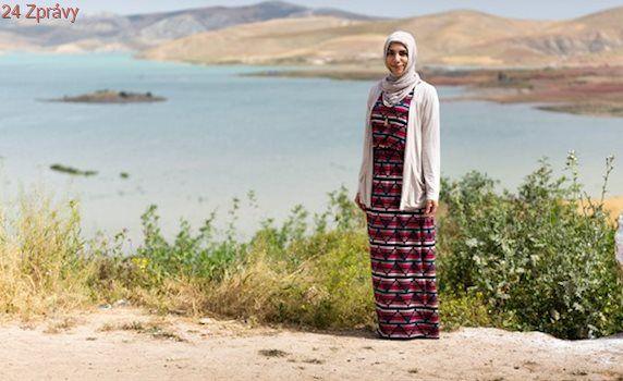 Cestuje po světě a schválně si bere hidžáb. Je to jen kousek látky, říká