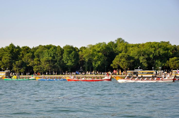 The race is on, Regatta of the Ancient Maritime Republics, Venice, Italy