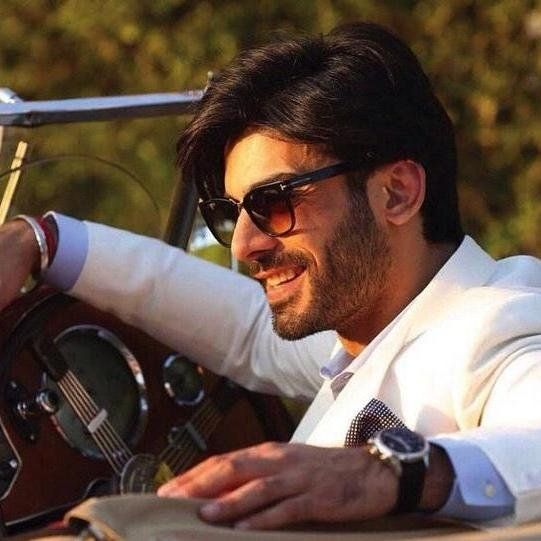 See Pics: 'Kapoor & Sons' Actor Fawad Khan Dashing Look