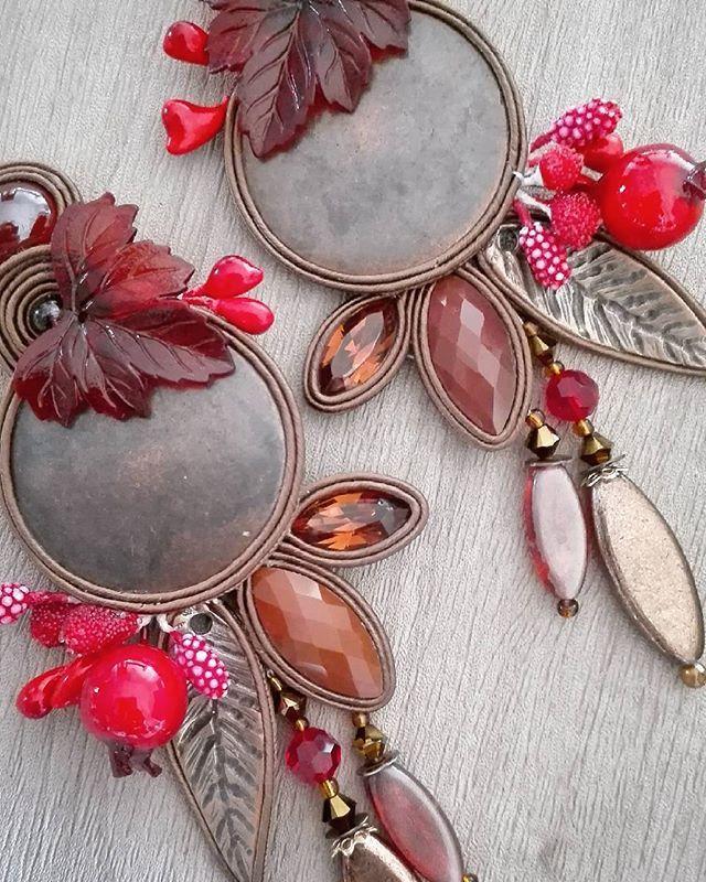 Vintage fall  #adelslaboratory #alessandradelvitto #adeloriginal #design #autumn #costumejewelry #bijoux #accessori #gioielleriaalternativa #soutache #soutacheearrings #earrings #orecchini #fashion #fashiondesigner #fashionjewelry #fashionblogger #fashionweek  # moda #milano #varese #nyc #paris #miami #london #handembroidered #handmade #madeinitaly