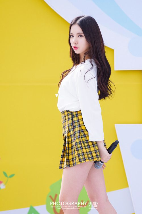 GFRIEND Eunha- Amazing body. Beautifulhot sexy pretty naked blonde redheads with dark hair. K-pop Asian girl band dancers. Asian actresses dress in shorts or nude lipstick girls. Hot babes and women inlingerie or bikinis at the beach. Orange hair fashion models kiss.Beautiful hot pretty naked sexy models.