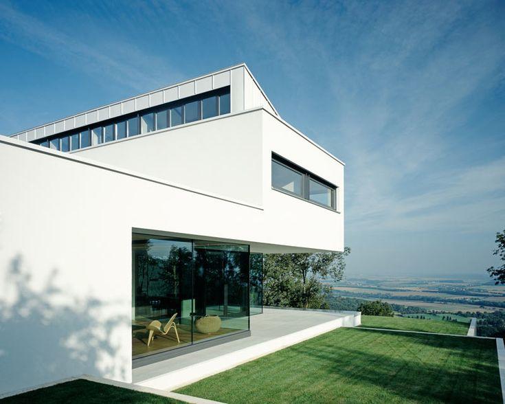 modern-white-residential-home-exterior-Philipp-Architekten-2