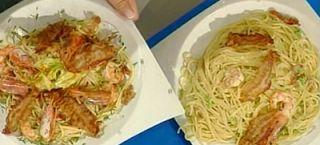 Cuochi per caso...o per forza!!: Spaghetti ai gamberi e pancetta di Antonella Cleri...