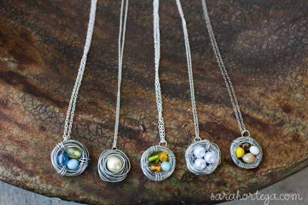 Cool Crafts You Can Make for Less than 5 Dollars | Cheap DIY Projects Ideas for Teens, Tweens, Kids and Adults | DIY birds nest necklace | http://diyprojectsforteens.com/cheap-diy-ideas-for-teens/