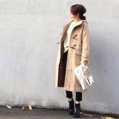 冬のあったかコートの定番といえばダッフルコートだよね そのダッフルコートが今年も大人気みたいだよ 温かみあるベージュが人気カラーなんだって(o) ロングスカートとかデニムとかいろいろなコーデが楽しめるのが魅力よね 今年の冬はダッフルコーデで決めちゃおう