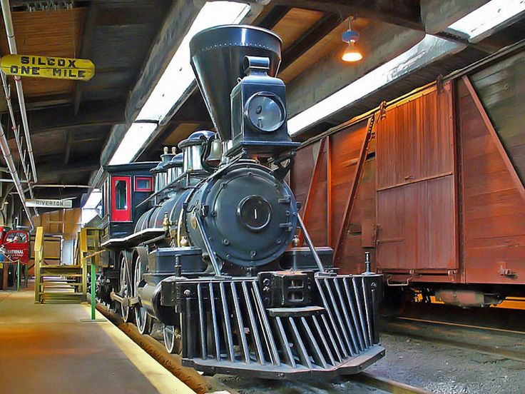 The Winnipeg Railway Museum displays various locomotives preserving the Manitoba's rail heritage. Located inside the Via Rail Union Station building at 123 Main Street.