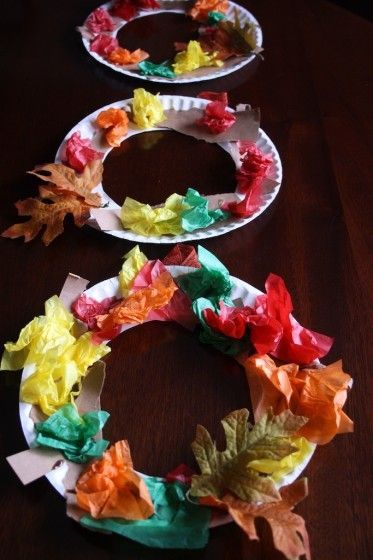 Tissue Paper Fall Wreath - great fine-motor and tactile craft for toddlers and preschoolers - Happy Hooligans