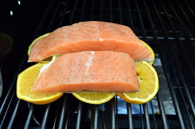 Aprende los tips y consejos para cocinar pescados a la parrilla, desde filetes, pescados enteros o cocin