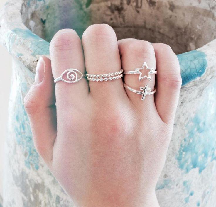 Heart to Get statement ringen. Subtiele zilveren ringen. www.ajuweliers.nl