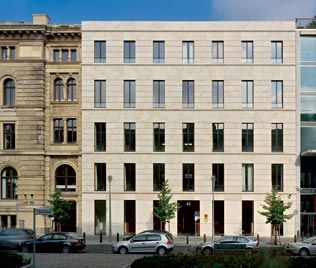 Facade of the new wing of the Federal Ministry of Labor and Social Affairs in Berlin by Kleihues + Kleihues. Beautiful eloquent classical facade.