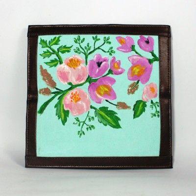 Dompet Lukis Flower Edition 4 - http://www.slightshop.com/produk/dompet-lukis-flower-edition-4/