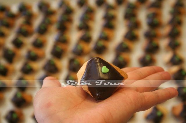 fortune cookie, şans kurabiyesi, fal kurabiyesi