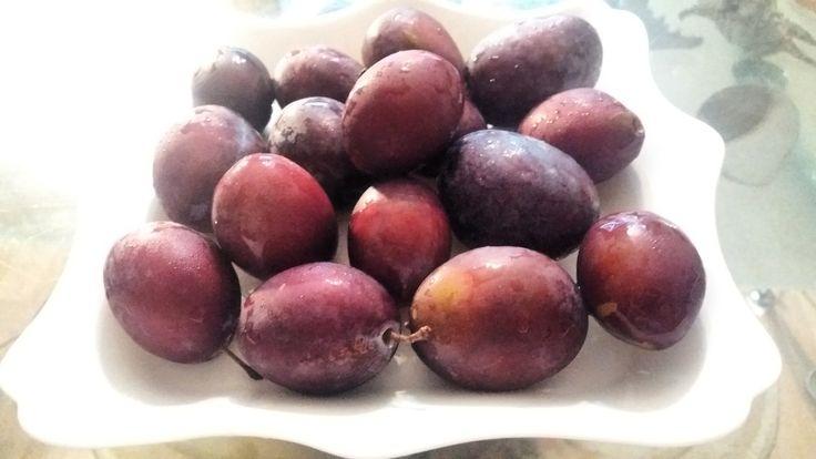 Studiile făcute de către specialiștii de la Universitatea din Liverpool, au dovedit, faptul că, prunele pot ajuta în curele de slăbire. Substanțele active din prune accelerează metabolismul …