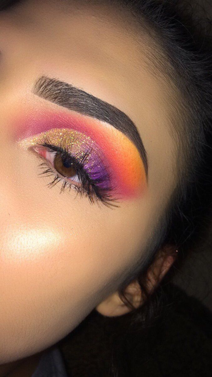 I'm debating over this one. The lids are fine and I'm not so much against the crease but I don't know if I would have used the orange as a brow bone highlight. To each her own.