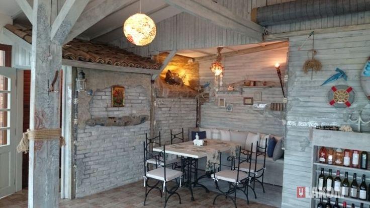 Casa Sul Mare или Къща край морето е прекрасна крайморска атракция, разположена в морската градина, под делфинариума. Заведението е уютно, на 2 етажа, има външен бар и барбекю. Предлагат се предимно морски деликатеси, паста, пици и ризото. Има възможност за паркиране в близост до ресторанта. Обекта работи с удължено работно време - докато има клиенти