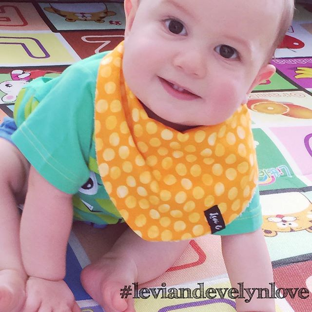 Gorgeous #babymodel showing off one of our Spots and Dots Bandana Bibs. Trio pack. www.leviandevelyn.com.au #leviandevelyn #leviandevelynlove #bandanabib #spotsanddots