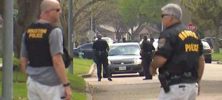Συναγερμός στο Χιούστον με πυροβολισμούς και δυο τραυματίες: Συναγερμός σήμανεσε ανατολικό προάστιο του Χιούστον, στις Ηνωμένες Πολιτείες,…