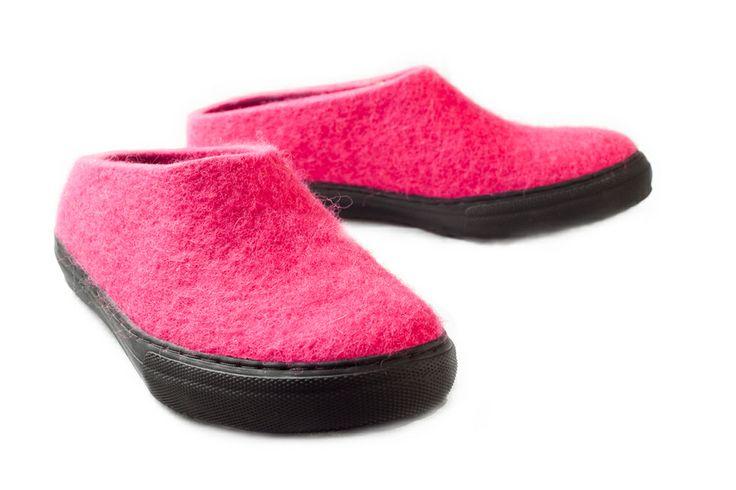 Aki Choklat for Lahtiset, felt slippers, ACFL-12-0, http://www.lahtiset.fi/fi/mallisto/aki-choklat-for-lahtiset.html #akichoklat #lahtiset #felt #slippers