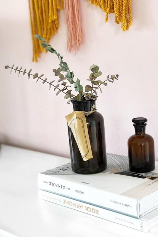 Schön Pastellrosa Wand, Apothekerflaschen Und Eukalyptus! #slowliving #kinfolk  #apothekerflaschen #eukalyptus #