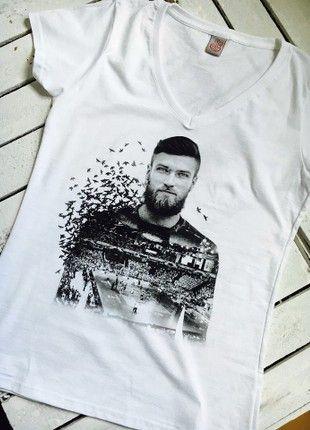Kup mój przedmiot na #vintedpl http://www.vinted.pl/damska-odziez/t-shirty/21266709-biala-koszulka-sercemzsiatkarzami-wrona