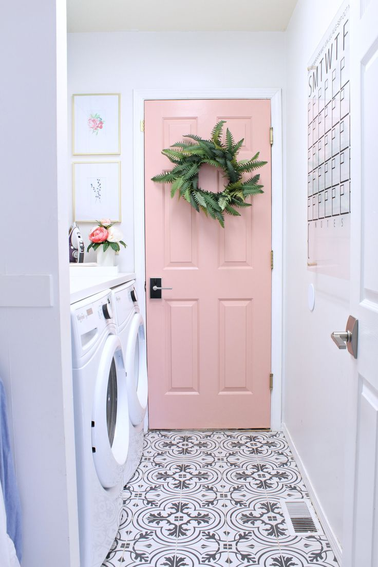 The pink door is a show stopper and I looooove the pop of color. The door color is Behr Everything's Rosy.