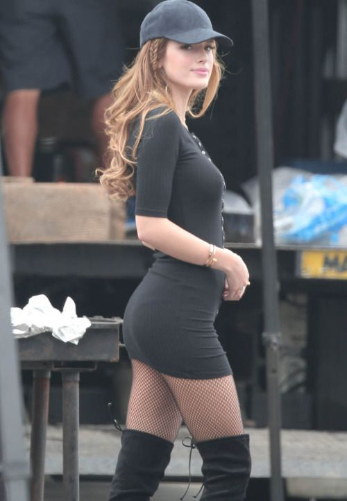 Bella Thorne. (aw in my minds eye the woman i will be in my next romantic relationship with the wonan thats a vibrational match to me. Redhead beautiful green eyes athletic thin. This wall is more of a focus board. )