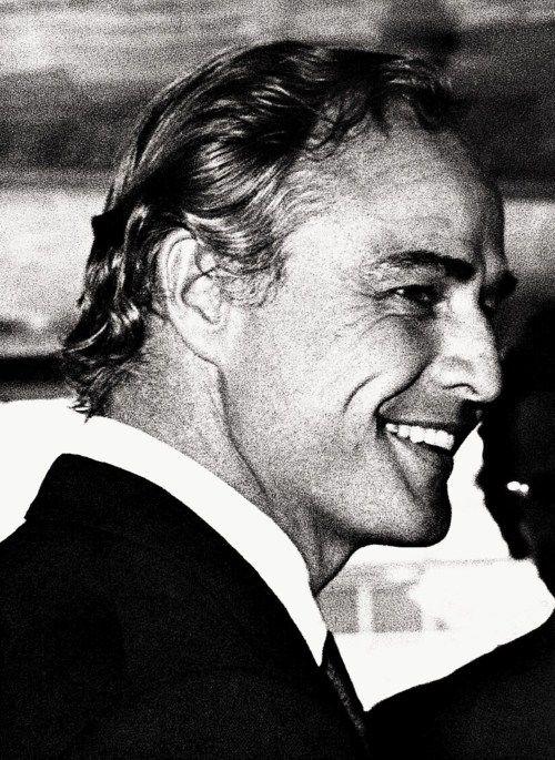 Marlon Brando la classe affascinante......poi i dispiaceri l'hanno cambiato