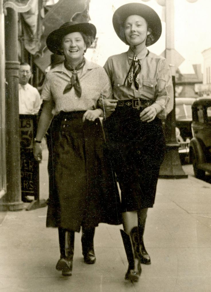 Stylish cowgirls on the street, c. 1930s. #vintage #cowgirls #fashion