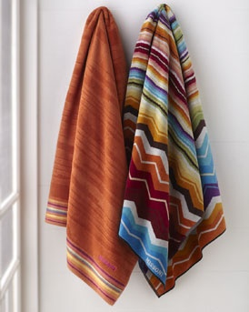More color to the bathroom! Nice Missoni towels!