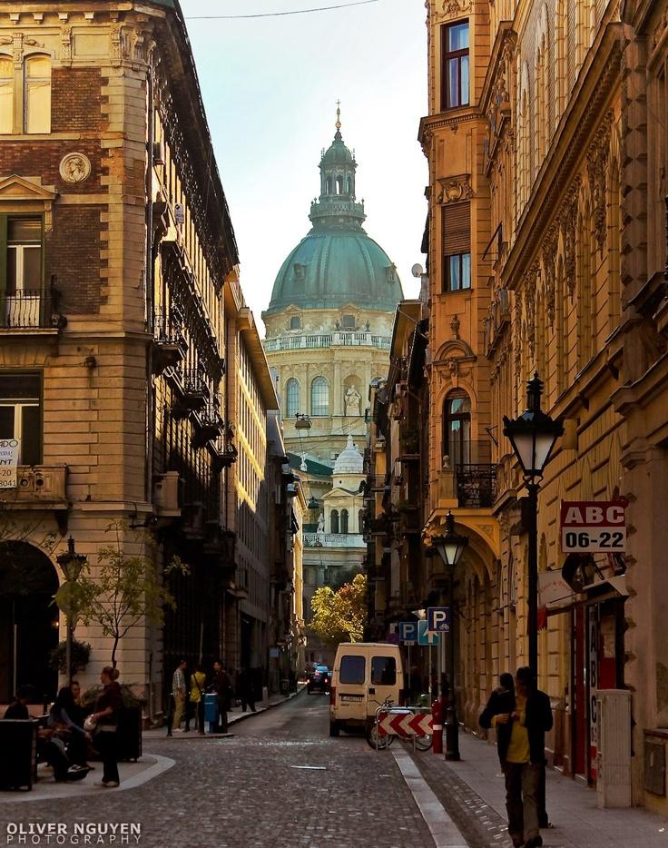 Good morning, Budapest! (St. Stephen's Basilica) Photo by Oliver Nguyen Photography