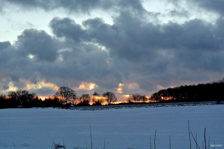 2016.01.19...... Solnedgang over Lynge..........