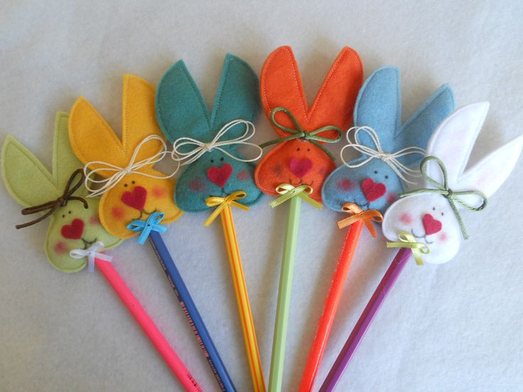Easter bunny pencil toppers, cute Easter favors or for a class.