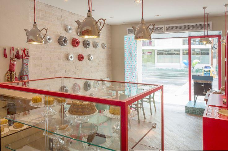 Especializada em bolos caseiros, a loja Bolo ao Forno, no bairro Vila Nova Conceição, em São Paulo, impressiona pela delicadeza ao fazer uma releitura contemporânea da cozinha da vovó. Foto: Cezar Kirizawa