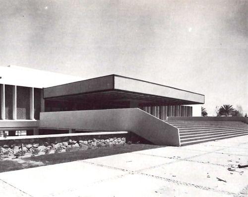 Entrada del Hospital General de Mexicali (ISSSTE), Lerdo de Tejada 1580 Centro, Mexicali, Baja California, Mexico 1961  Arqs. Alejandro Prieto, Imanol Ordorika y Jokin Ordorika Bengoechea
