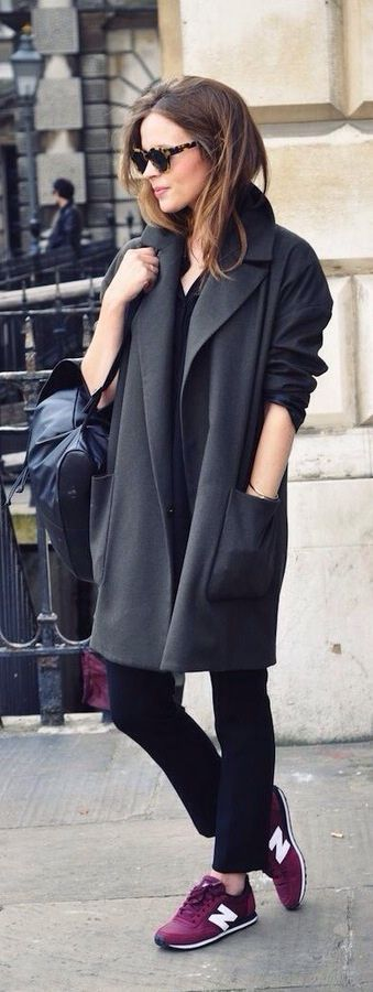 Off duty but on point. Relaxed oversize coat and comfy sneakers.