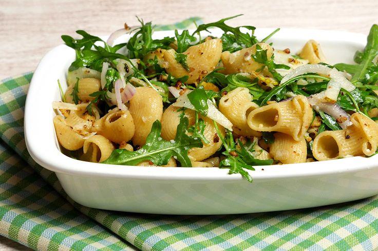 Nudelsalat mit Walnüssen, Rucola und Birnen - Gaumenfreundin - Foodblog aus Köln mit leckeren Rezepten von der schnellen Küche bis Low Carb